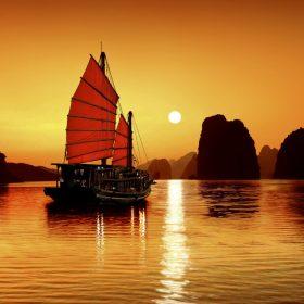 Nam Định - Yên Tử - Hạ Long - Tuần Châu 2 Ngày 1 Đêm